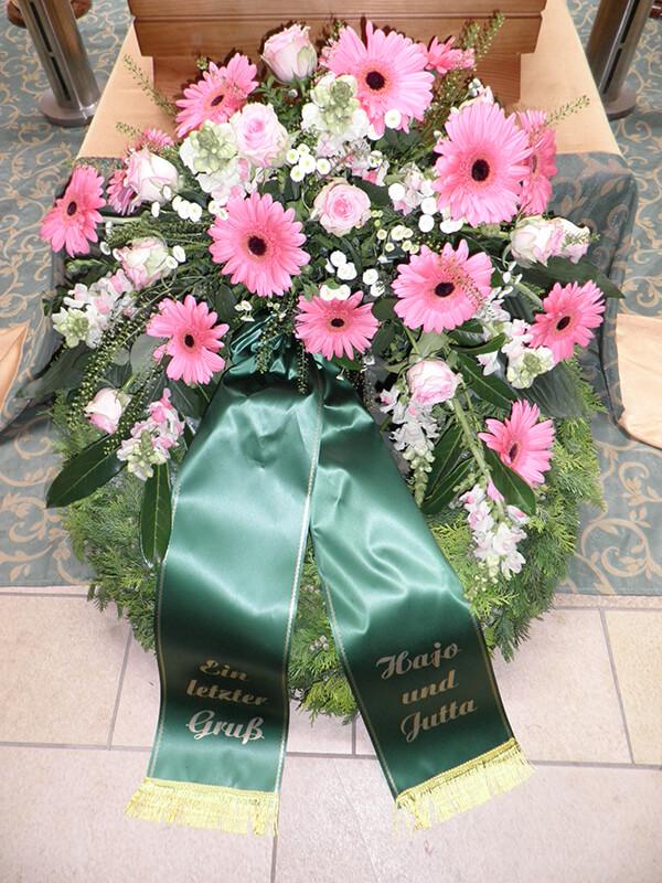 Kranz in  Rosa mit Gerbera und Rosen